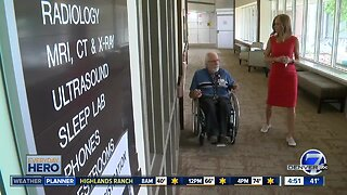 7Everyday Hero: Hospital volunteer helps patients from his wheelchair