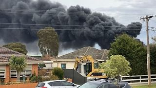Black Smoke Billows From West Footscray Factory Fire - Video