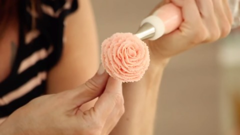 DIY recipes: Roses on a stick
