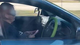 Australia: Woman filmed sending texts while driving