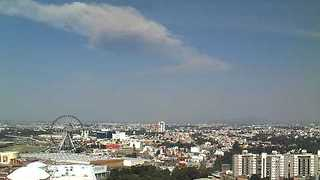 Distant View of Mexican Volcanic Explosion in April 2015 - Video
