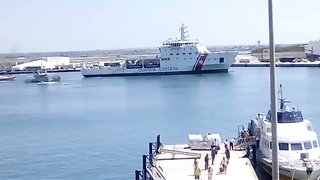 Coast Guard Ship Diciotti Arrives in Trapani Carrying Alleged 'Violent Hijackers'