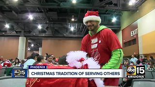 Salvation Army hosts Christmas dinner in Phoenix