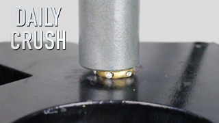 Crushing a diamond ring with hydraulic press - Video