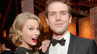 Taylor Swift Shares Sweet Message On National Siblings Day! - Video