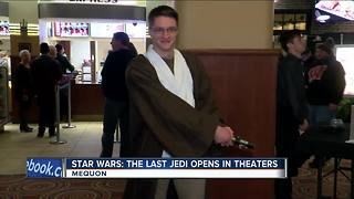Fans show off excitement in costume for new Star Wars film - Video