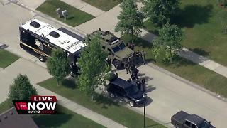 Barricaded gunman in Chesterfield Township - Video