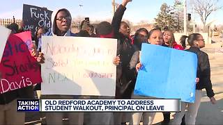 Detroit students, parents demand answers after teacher, principal placed on leave - Video