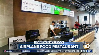 Restaurant only serves airplane food?
