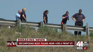Police investigate decomposed body on I-435 - Video