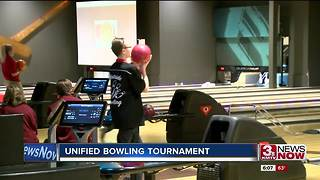 Bowling unifies high school student athletes - Video