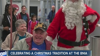 Santa Claus making sure everyone is welcomed home - Video