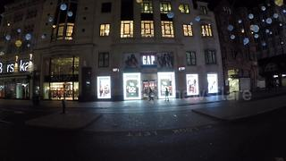 Empty Oxford Street for Black Friday - Video