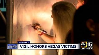 Candlelight vigil for Las Vegas victims in Phoenix - Video
