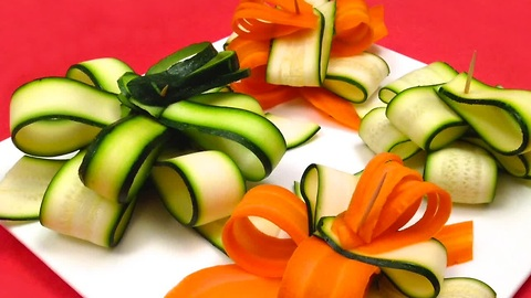 Learn how to quickly make a gift bow with a zucchini