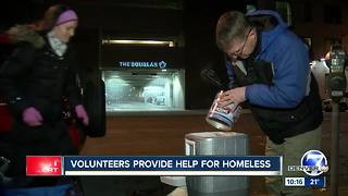 Volunteers provide help for the homeless - Video