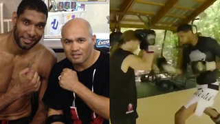 Tim Duncan TRAINS MMA - Video