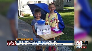 Lemonade stand teaches kids about kindness of strangers