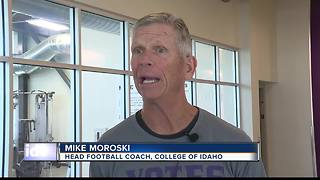 Football Coaches accommodate players in extreme temperatures - Video