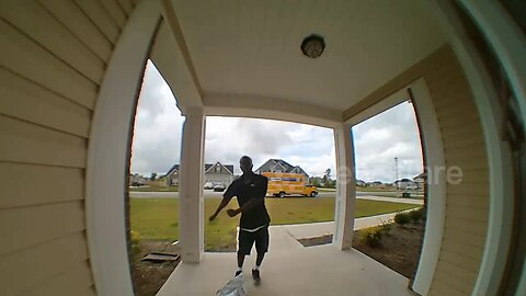US delivery driver dances for doorbell camera after dropping off parcel
