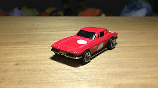 Awesome Hot Wheels Car '64 Corvette Stingray (C2) (2021 Mainline Livery)