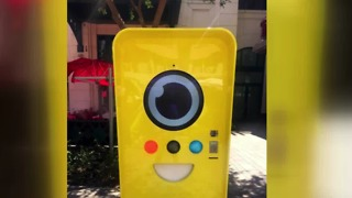 Snapchat Spectacles vending machine at The Linq in Las Vegas - Video