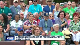 A reunion brings together transplant patients