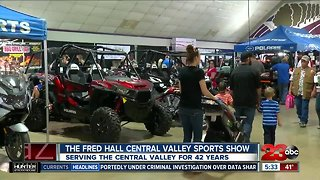 Bakersfield Champion Races at Fred Hall Show - Video