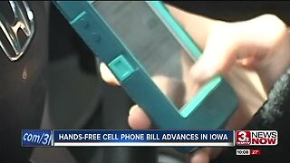 Hands-free cell phone bill advances in Iowa