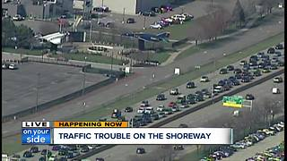 Traffic trouble on the shoreway - Video