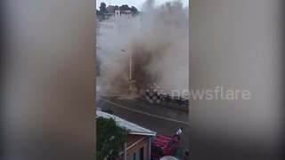 Massive waves slam China's east coast - Video