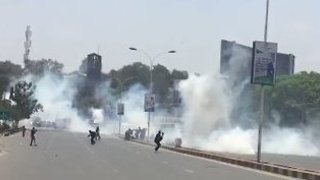 Police Fire Tear Gas During Opposition Protests in Nairobi - Video