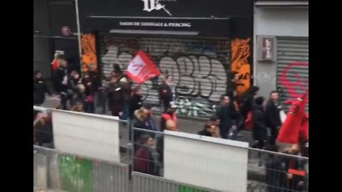 Demonstrators March Through Paris as Landmarks Prepare to Close Due to Fears of Violence