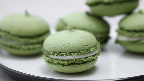 How to make macarons with creamy filling