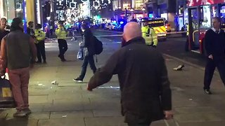 People Urged to Enter Shops During Oxford Street Lockdown - Video