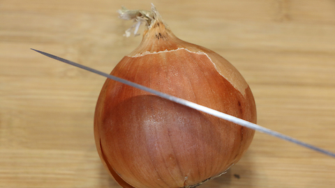 Food life hack: How to properly cut an onion