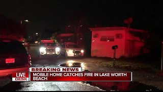 Mobile home catches fire in Lake Worth Beach