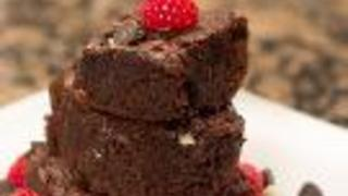 How To Make Chocolate Black And White Brownies - Video