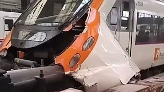Dozens Injured as Train Hits Barrier in Barcelona Station - Video