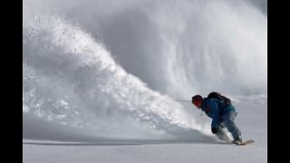 Snowboarder survives terrifying avalanche in the Pyrenees