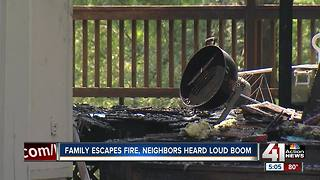 KC family escapes early morning house fire - Video