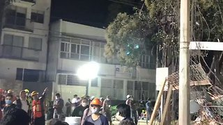 Rescues Continue Through the Night After Quake Flattens Buildings in Mexico City - Video