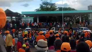 Opposition Supporters Gather in Nairobi to Hear Odinga Urge Election Boycott - Video