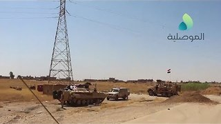 Iraqi Troops Traveling Toward Tal Afar Disable IED on Road - Video