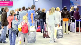 Airport Etiquette Tips That Will Glide Your Smoothly On Your Way - Video