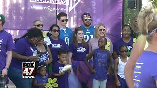 Walk to raise Alzheimer's awareness - Video