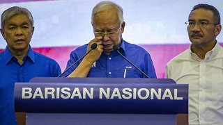 Malaysia's Former Prime Minister Blocked From Leaving The Country - Video