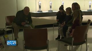 Lambeau Field hosts Family Reading Day - Video