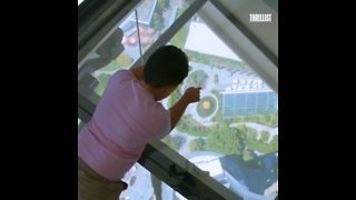 Seattle's Space Needle Has a Spinning Glass Floor - Video