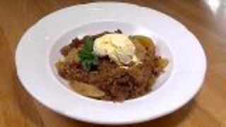 Easy Apple Crumble - Video